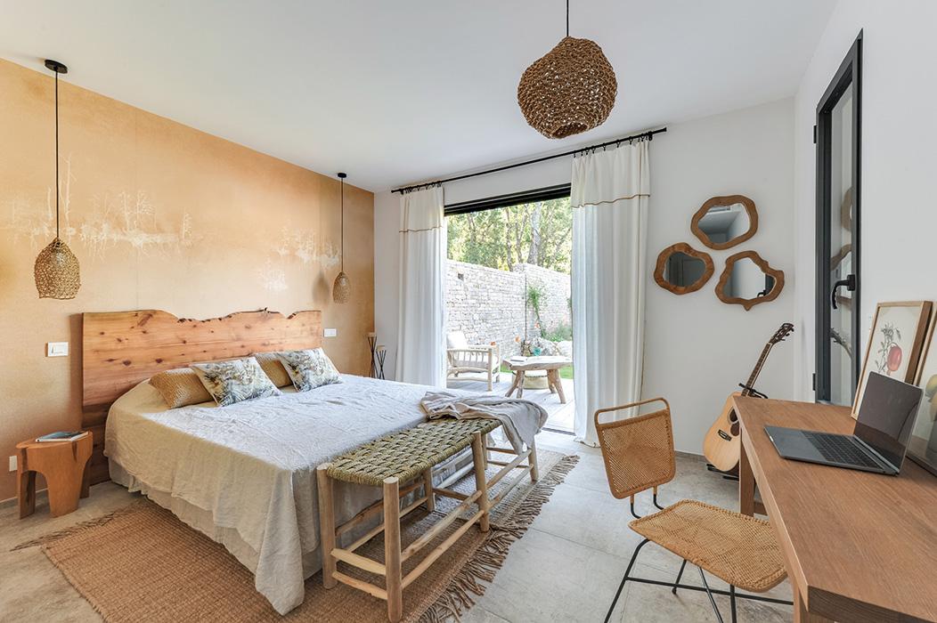 chambre-nature-maquis-bois-tete-de-lit