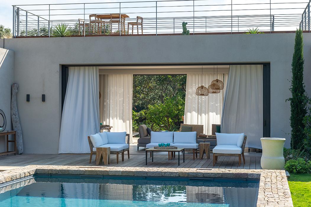 maison-de-vacances-piscine-toit-terrasse-
