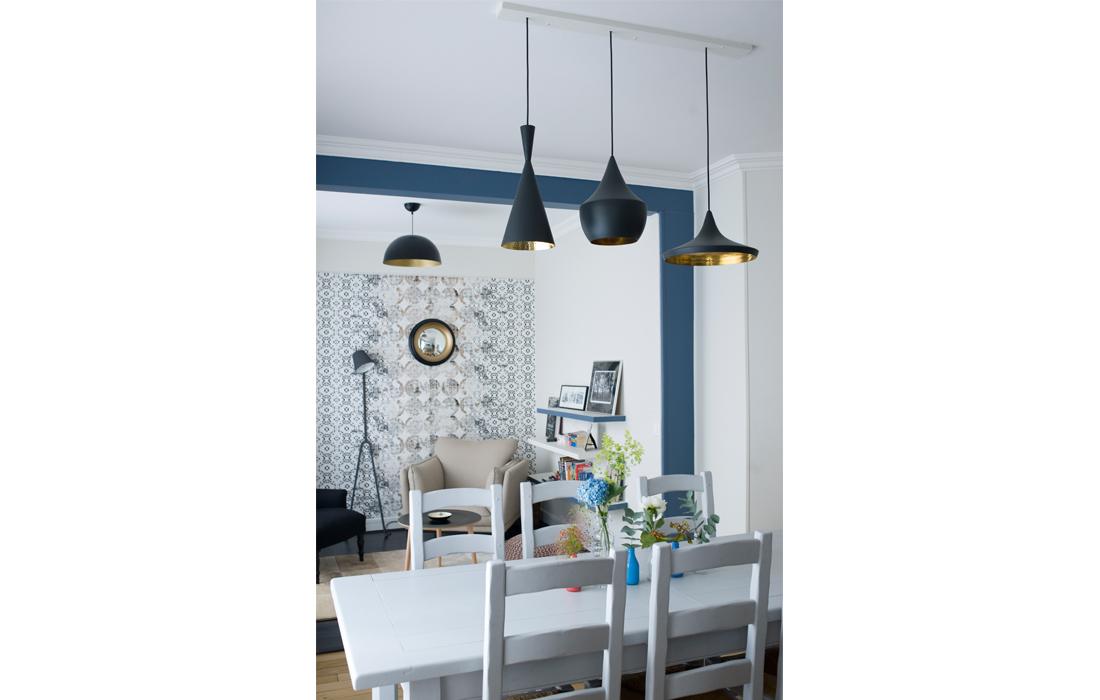 Appartement chic bleu salle à manger