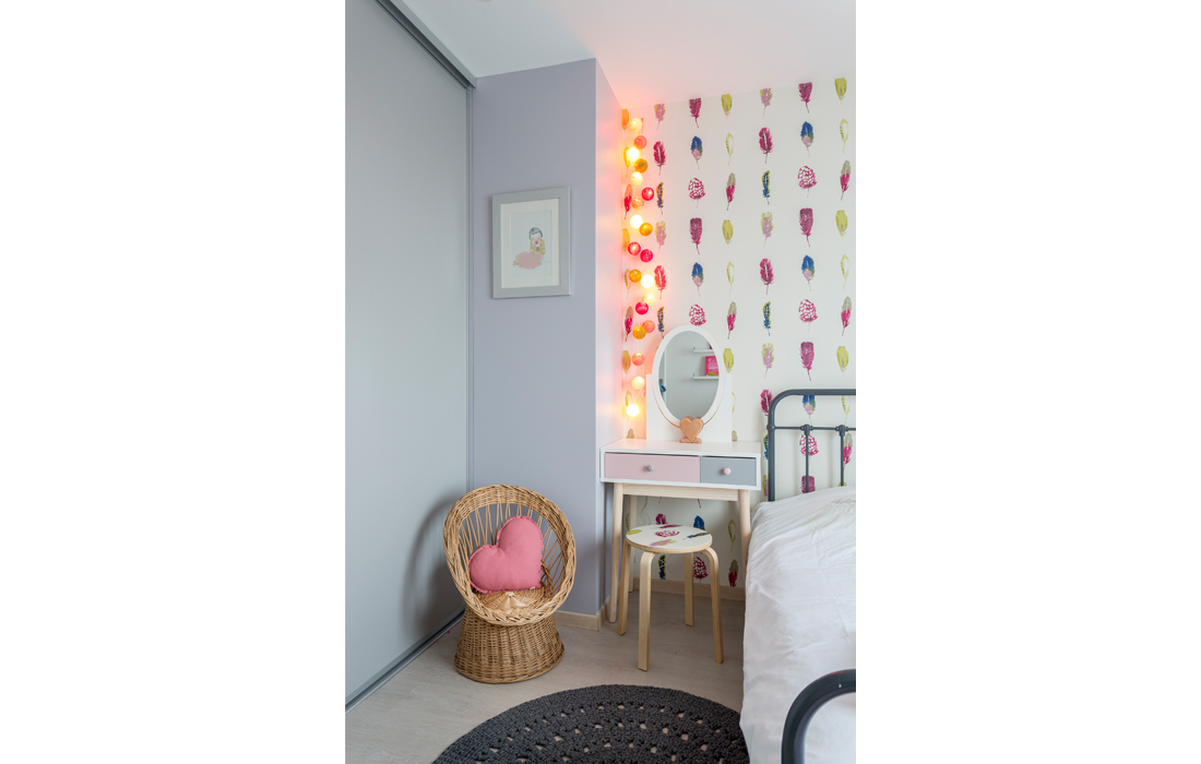 Coiffeuse chambre fillette rose romantique