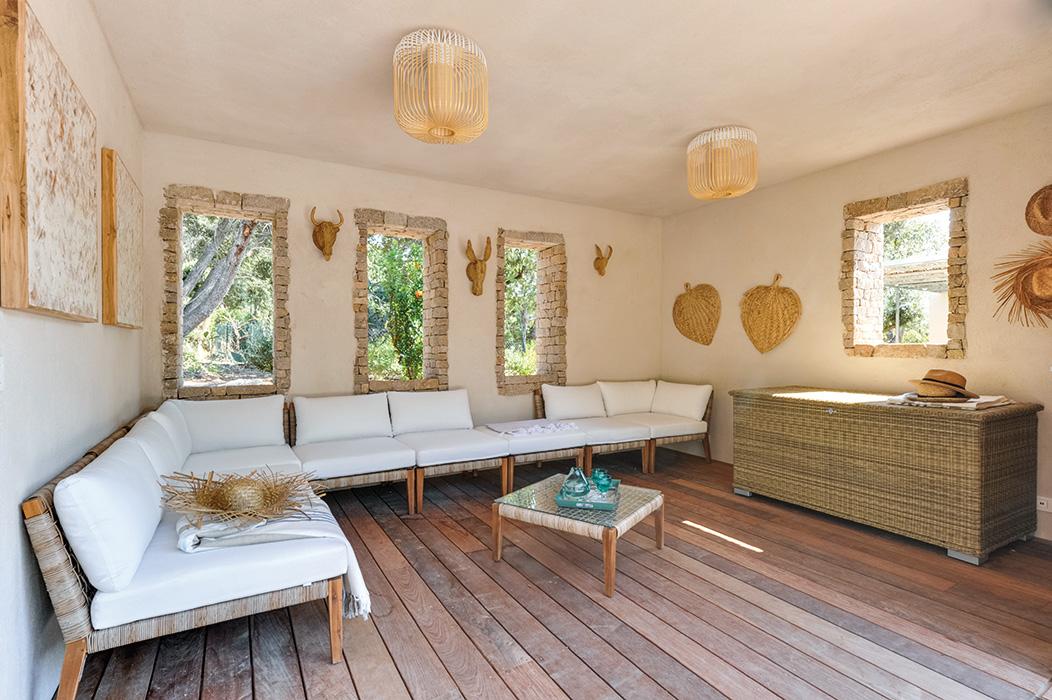 pool-housse-maisond-de-vacances-décoration-nature